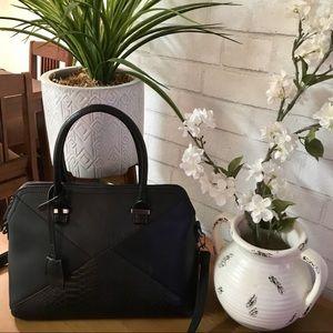 b601b13c3796 Women David Jones Handbags on Poshmark